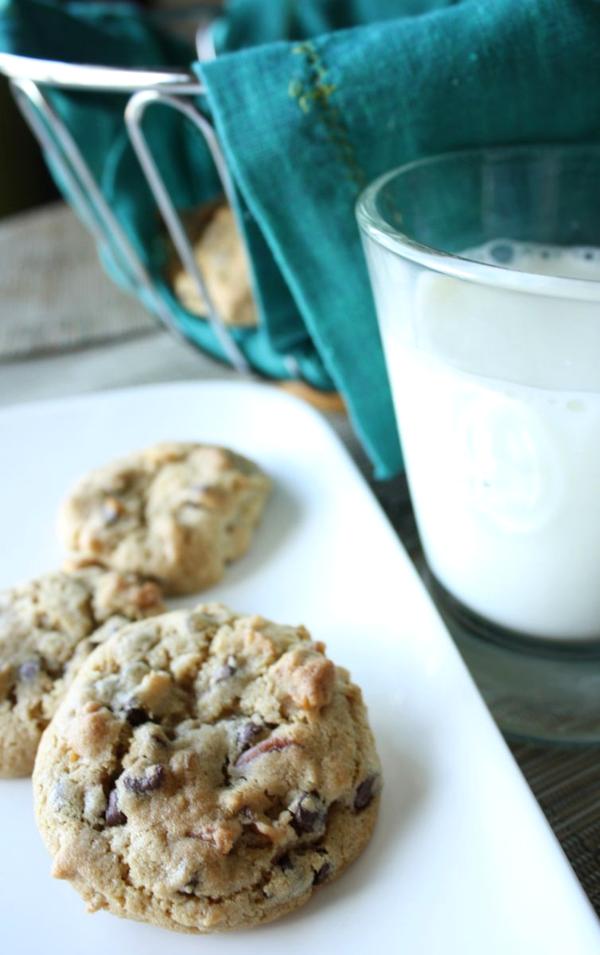 Chocolate Pretzel Crunch Cookies