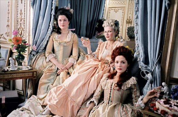 Marie-antoinette-and-friends